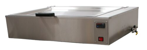 SP-1600-D Water Bath Pan with Digital Controls in the Closed Position